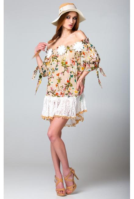 Платье-туника бежевое c открытыми плечами и накладными цветами FC238a-1c