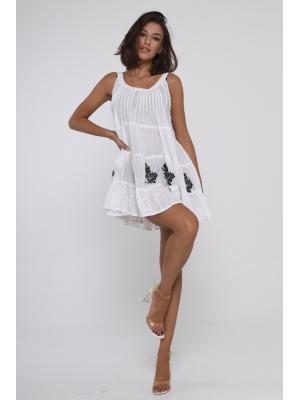 Короткое платье-сарафан с контрастной вышивкой 21F-014C