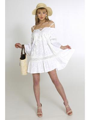 Платье-туника белое с открытыми плечами на тонких бретелях 2366A-1C
