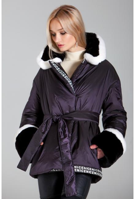Куртка утепленная с поясом, воротник и манжеты из натурального меха 910