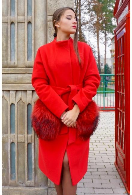 Утепленное пальто с накладными карманами из меха енота M730-k