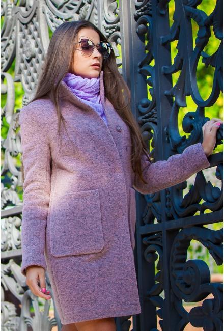 Демисезонное пальто со стойкой и накладными карманами M-530r