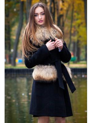 Зимнее пальто с меховыми воротником и оторочкой карманов m-523-e