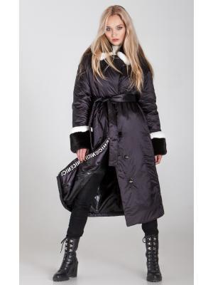 Пальто  утепленное с воротником и манжетами из натурального меха 940