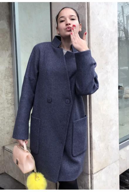 Демисезонное пальто со стойкой и накладными карманами M-797