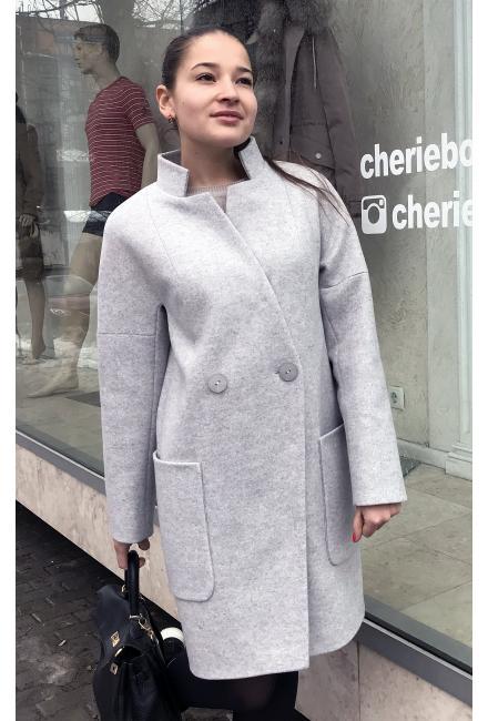 Демисезонное пальто со стойкой и накладными карманами M-797g